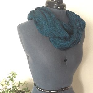 Accessories - 🔻10/$25 | Teal Black Paisley Infinity Scarf